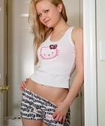 Alisa Kiss Laundry Suds Yo