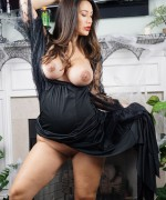 Eva Lovia Pregnant Pictures as this beauty shows off her bump under her long black dress, get a good glimpse of Eva Lovia pregnant pics