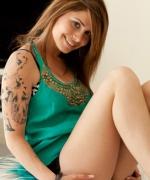 Hailey Leigh green top
