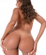 Naomi Victoria Istripper Pics as this bubble butt babe shows off her big phat ass