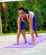 Janessa Brazil outdoor yoga chick