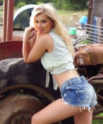 Jess Davies Tractor Girl