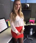 Naughty America Nicole Naughty Office VR