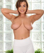 Josephine Jackson Porn Pics as this busty babe gets her hand on a very hard cock as she gives a very happy ending