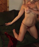 Spencer Nicks Snappin Cabin video capture of this 7 minute video of spencer using her snaps as she gets more and more naked