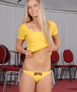 Teen Models all yellow