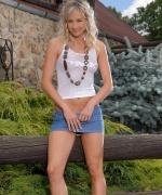 Teen Models sweet blonde ass