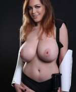 Tessa Fowler Massive Boobs In Starwars cosplay